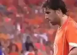 Enlace a Nunca está de más recordar el día que un defensa de Andorra se creyó capaz de vacilar a Ruud Van Nistelrooy