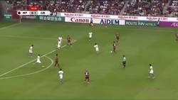 Enlace a El segundo gol de Iniesta en Japón. Si no es golazo, no vale.