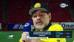 Enlace a Maradona hablando sobre Messi. Mirad el vídeo sin sentir pena ajena, por favor