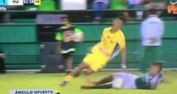 Enlace a La criminal patada en el fútbol colombiano de la que todo el mundo habla