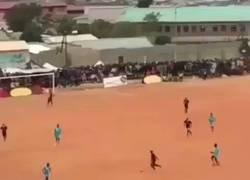 Enlace a Hay gente que no merece tocar un balón de fútbol en su vida