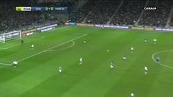 Enlace a World class finish de Mbappé después de un jugadón del PSG