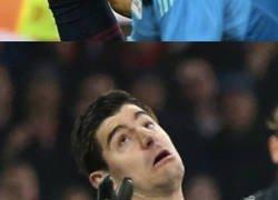 Enlace a Las caras de Courtois cuando van a meterle gol son épicas. Por @IniestismoFCB_