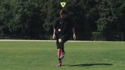 Enlace a El vídeo que demuestra que Leo Messi puede hacer toques con cualquier objeto