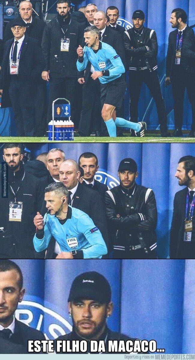 1067399 - La epica cara de Neymar viendo marchar al árbitro después de la decisión del VAR