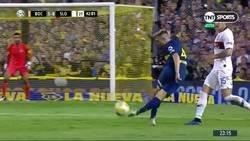 Enlace a Murió el fútbol. Buffarini hizo una rabona, los de San Lorenzo fueron a amenazarlo y se llevó la amarilla