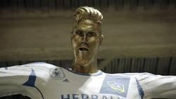 Enlace a Revelan una estatua de broma a Beckham y su reacción me provoca remordimiento