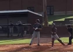 Enlace a Luke Terry es un catcher de 14 años que solo tiene un brazo. Así lanza la bola. #Respect