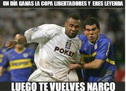 Enlace a Jhon Viafara, un futbolista colombiano terminó exportando coca