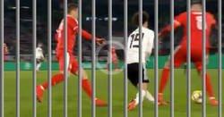 Enlace a La terrible entrada del serbio Pavkov sobre Sané merece cárcel