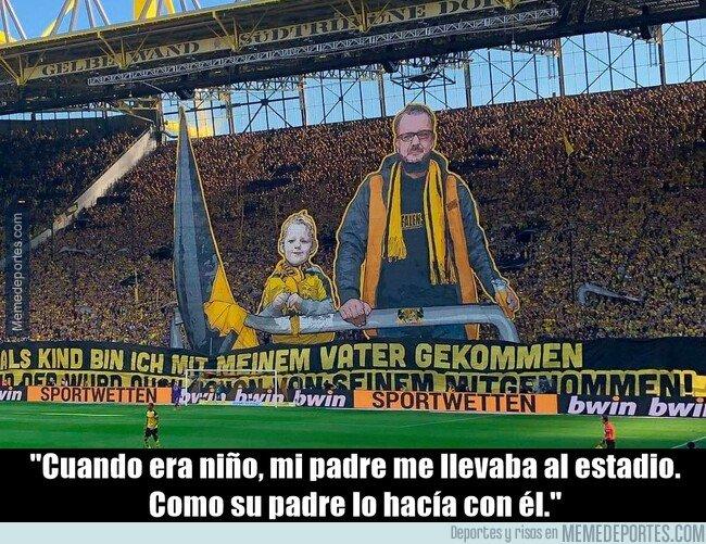 1069823 - La nostálgica pancarta del Dortmund para evocar recuerdos