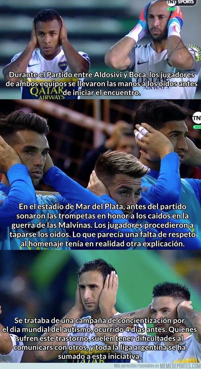 1070732 - ¿Por qué en Argentina los jugadores se taparon los oídos antes de empezar el partido?
