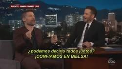 Enlace a El video más genial de la semana: Jaime Lannister suelta un spoiler cuyo protagonista es Marcelo Bielsa