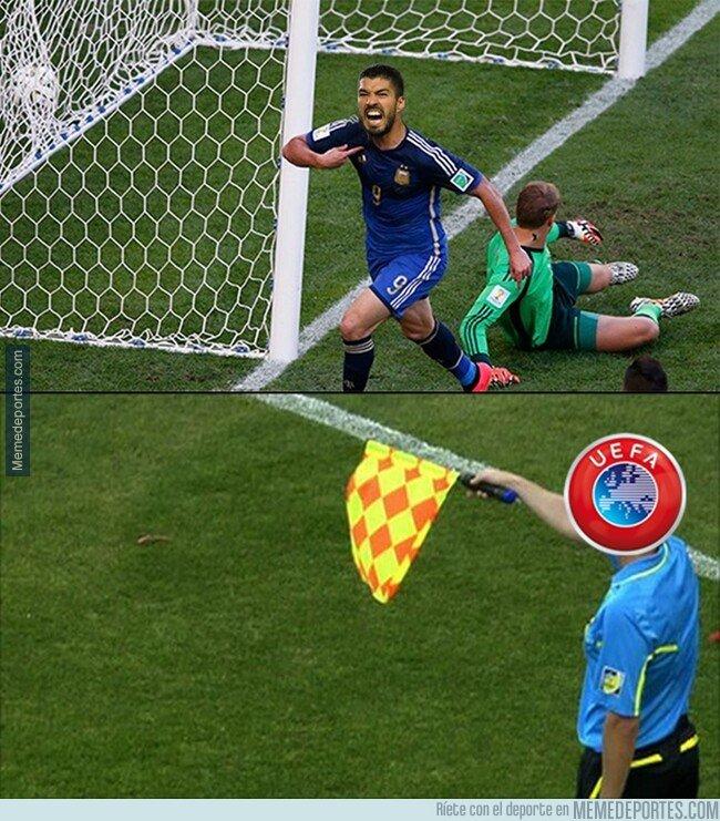 1070979 - La UEFA se carga la rotura de maldición de Suárez