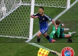 Enlace a La UEFA se carga la rotura de maldición de Suárez