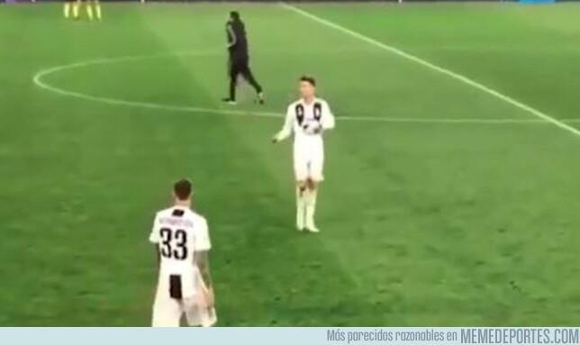 1072096 - Salió a la luz un video con el polémico gesto de Cristiano Ronaldo a sus compañeros al ser eliminado de la Champions League