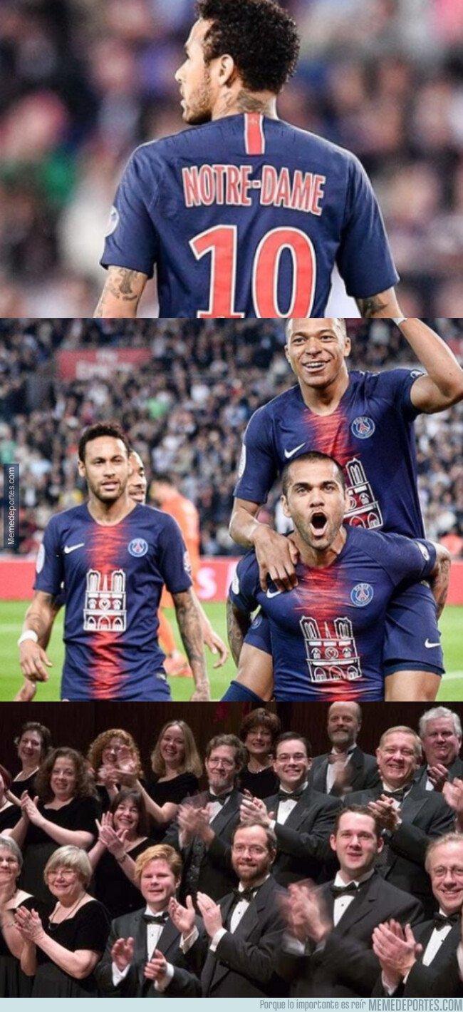 1072243 - El gran detalle del PSG en su indumentaria con Notre Dame