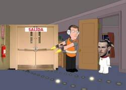Enlace a Bale aún parece no entender las indirectas de todo su entorno. Tal vez se lo han dicho en español.