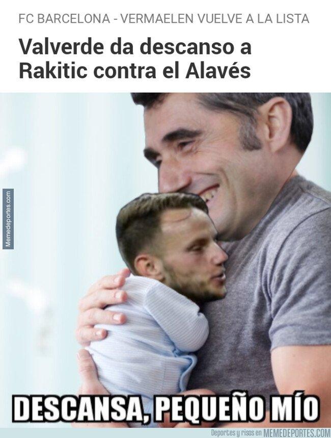 1072335 - Valverde cuida al niño de sus ojos
