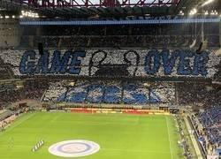Enlace a Así recibió el Inter a la Juve por su eliminación en Champions.