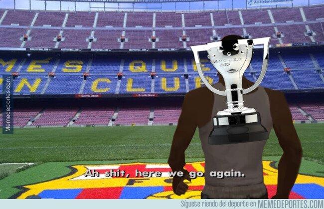 1072758 - El trofeo de LaLiga ya está acostumbrado a pasar por el Camp Nou