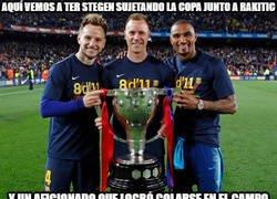 Enlace a Como siempre los jugadores del Barça tan generosos con sus aficionados...