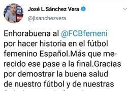 Enlace a El entrenador del Atleti femenino felicita al entrenador del Barça femenino, y a todos nos peta la cabeza