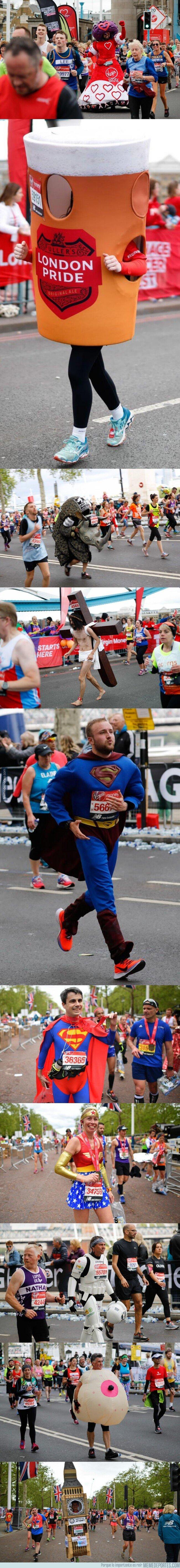 1073027 - La peña está loca y corrieron con estas pintas la Maratón de Londres