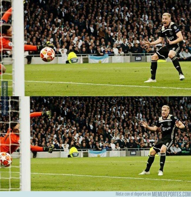 1073096 - La emoción de van de Beek al ver su gol