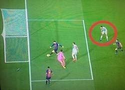 Enlace a Van Dijk es tan bueno que quiso parar a Messi con telepatía