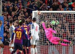 Enlace a ¿Que hacía Santiago Abascal viendo el partido del Barça?