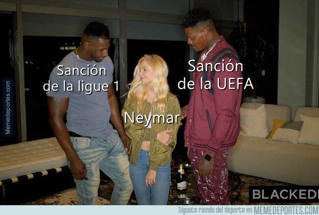 1074632 - Neymar, agarrado por canto y canto