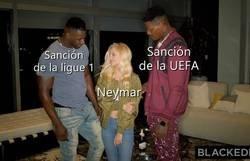 Enlace a Neymar, agarrado por canto y canto