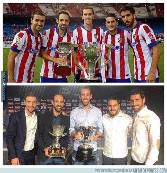 1075923 - El Atleti recreó, en la despedida de Juanfran, la foto de los capitanes tras su gran 2014