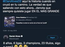 Enlace a Dani Alves le pega un ZASCA monumental a un madridista que le recuerda las Champions del Madrid por no firmar por su equipo