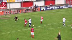 Enlace a Un árbitro ha marcado gol en los Países Bajos. La norma dice que en caso de tocar el balón actúa como poste