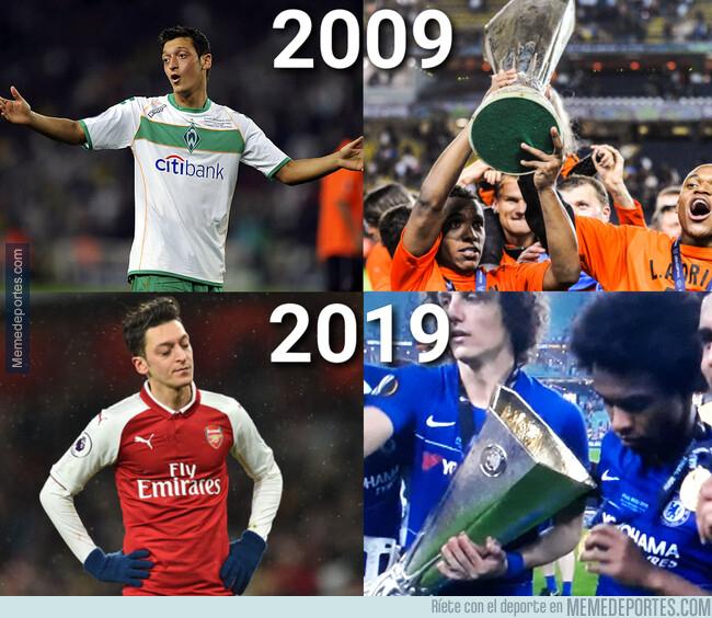 1076517 - Willian volvió a ganarle la Europa League a Özil 10 años después