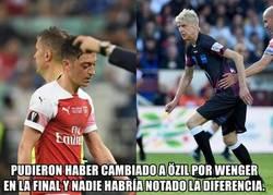 Enlace a Wenger vs Özil. ¿Quién gana?