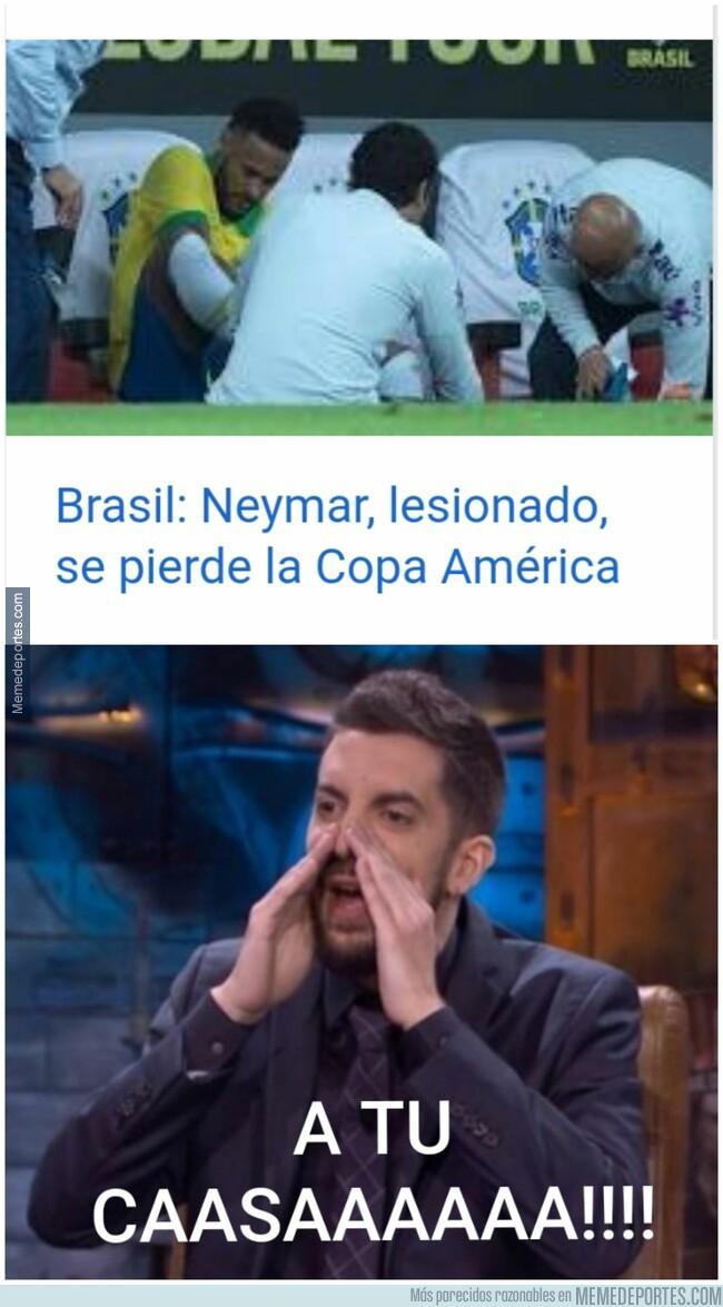 1077303 - Neymar no da una...