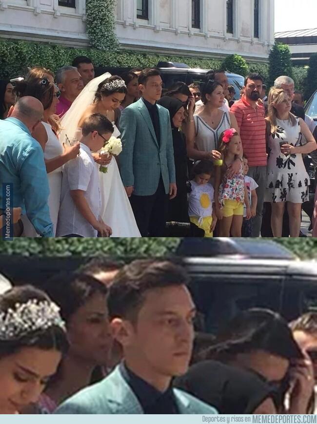 1077397 - Özil y cualquier hombre el día de su boda