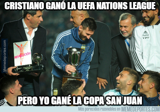 1077697 - Messi también tiene un trofeo para presumir con su selección