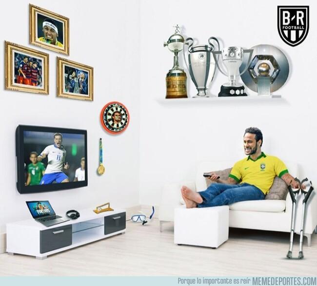 1078177 - Neymar disfrutó del debut de Brasil desde su casa, por @brfootball