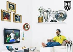 Enlace a Neymar disfrutó del debut de Brasil desde su casa, por @brfootball