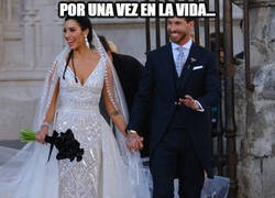 Enlace a Al final Ramos ha ido mejor vestido en su boda que la propia novia... quién lo iba a decir...