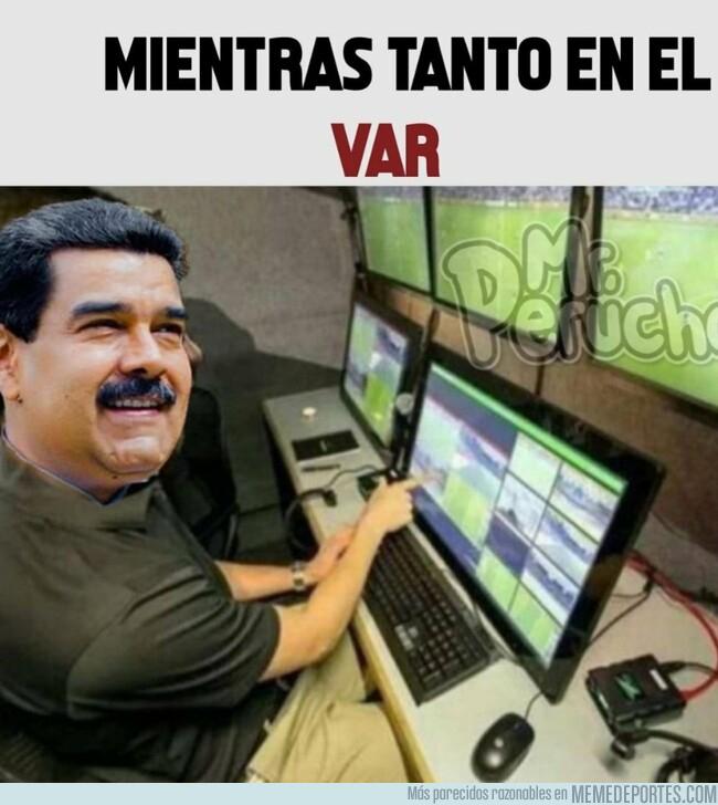 1078609 - Venezolanos+Árbitro=Revolución