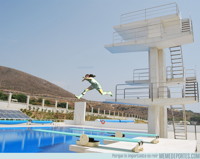 1079159 - El piscinazo de Lavelle...