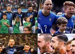 Enlace a A los italianos se les va un poco la olla cantando el himno