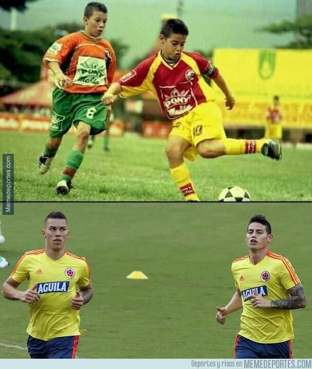 1079396 - Rescatan en Colombia una foto de James y Mateus Uribe cuando ambos jugaban en un torneo infantil