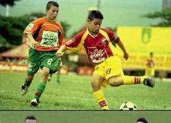 Enlace a Rescatan en Colombia una foto de James y Mateus Uribe cuando ambos jugaban en un torneo infantil