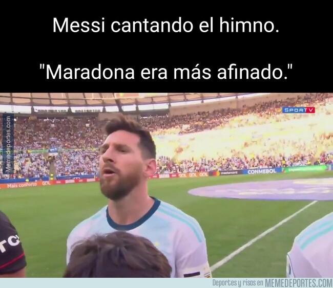 1079498 - Maradona lo canta mejor